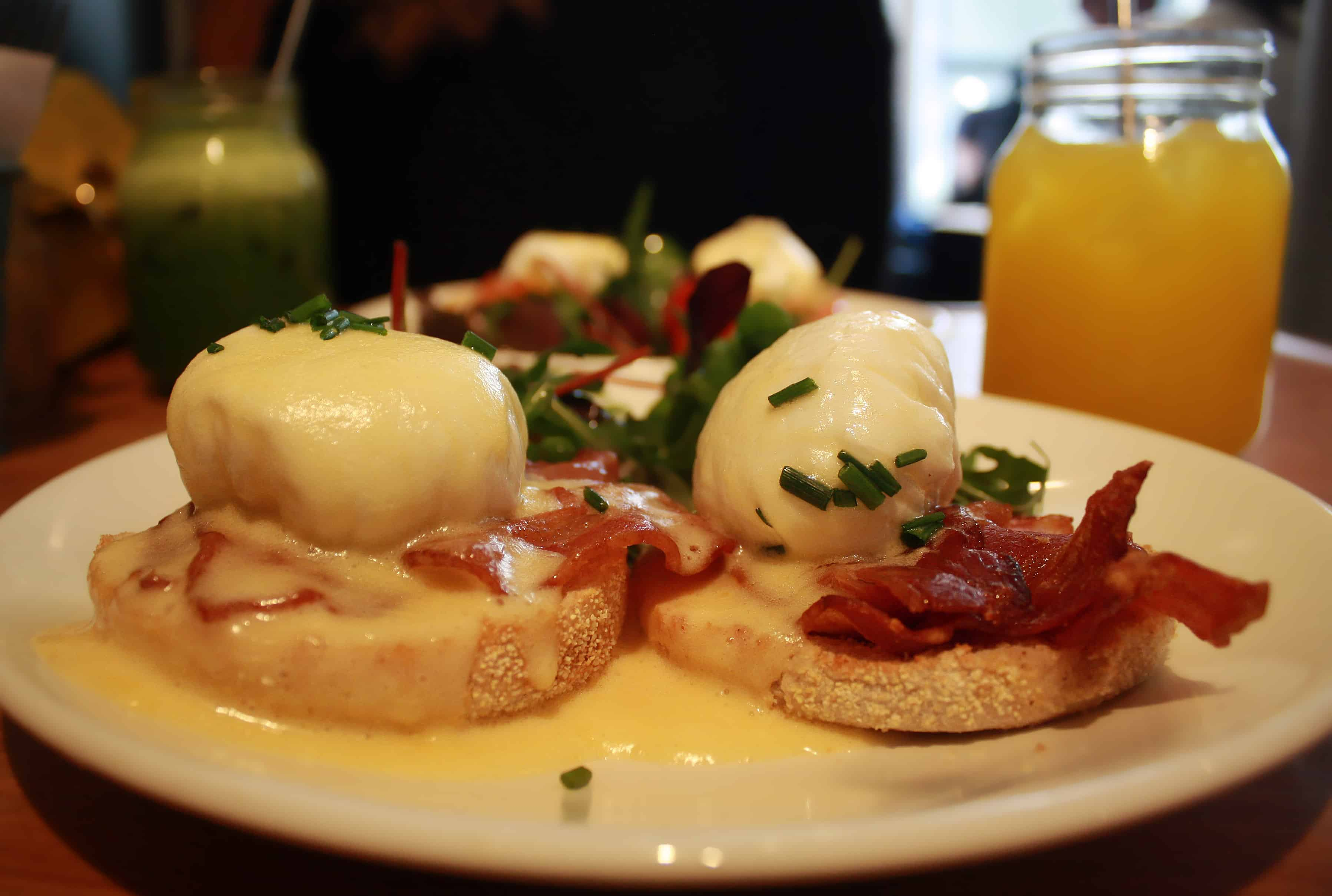eggs benedict at Peck 47, Brussels