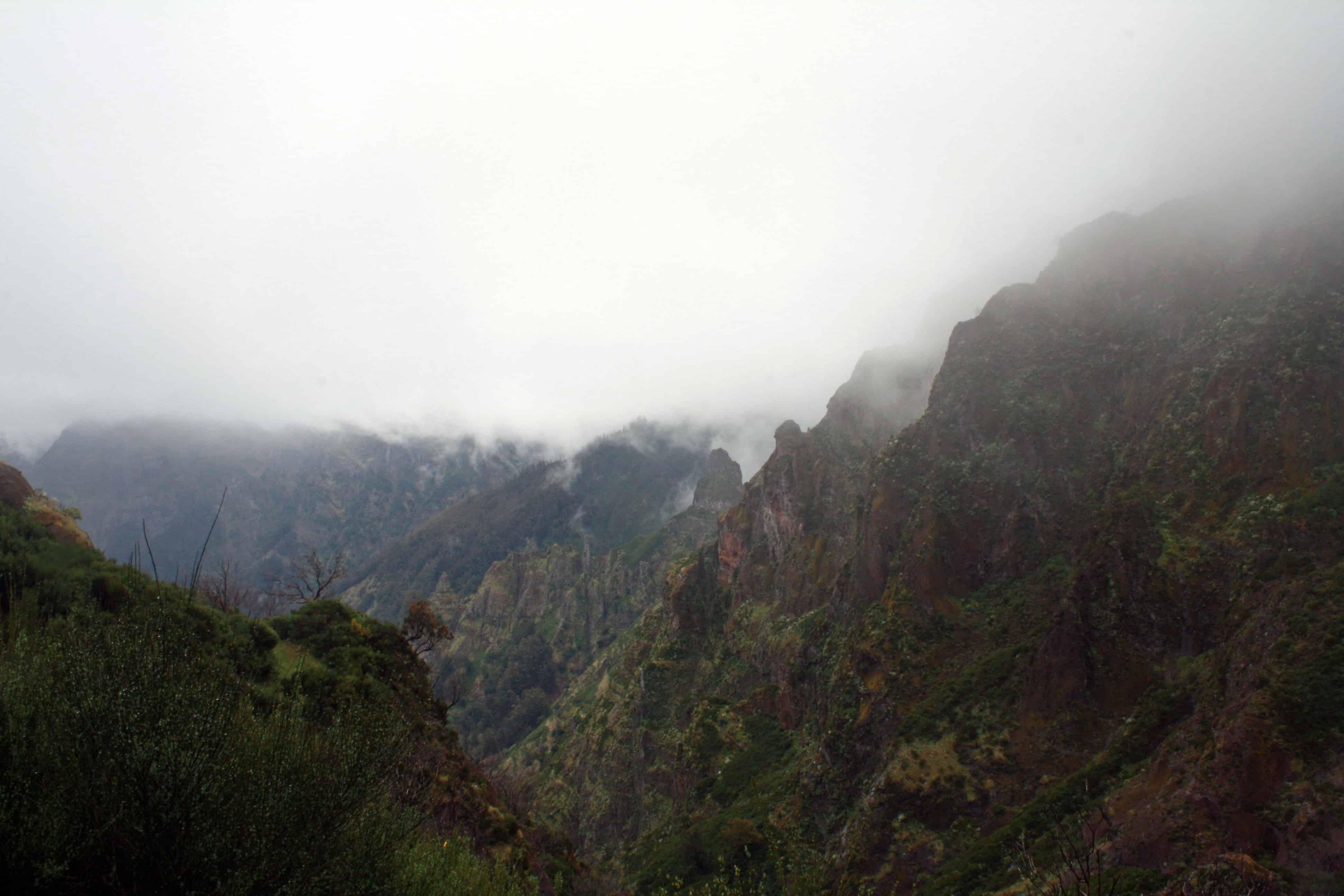 Hiking Pico do Arieiro to Pico Ruivo, Madeira
