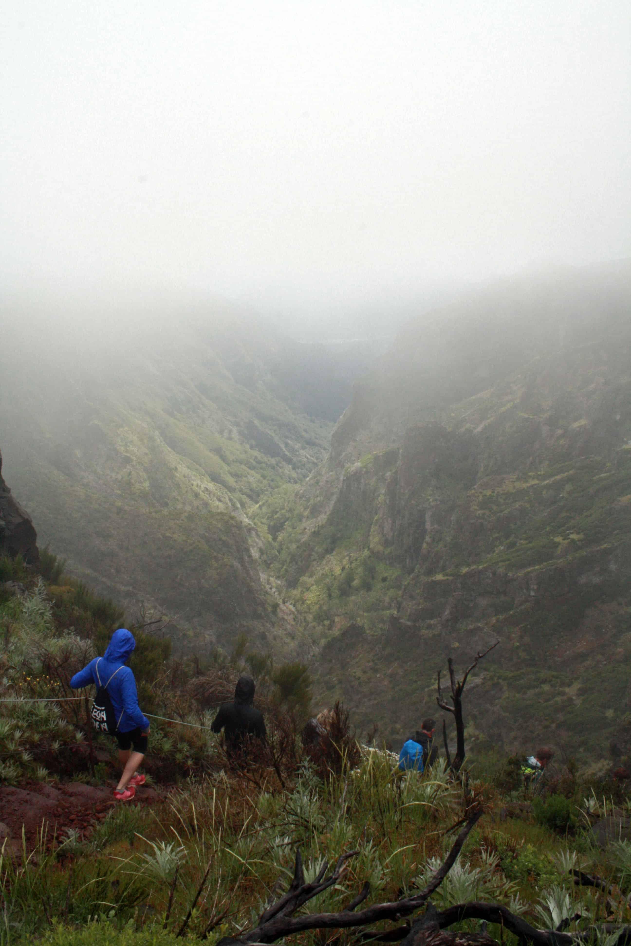 Hiking to Pico Ruivo from Pico do Arieiro