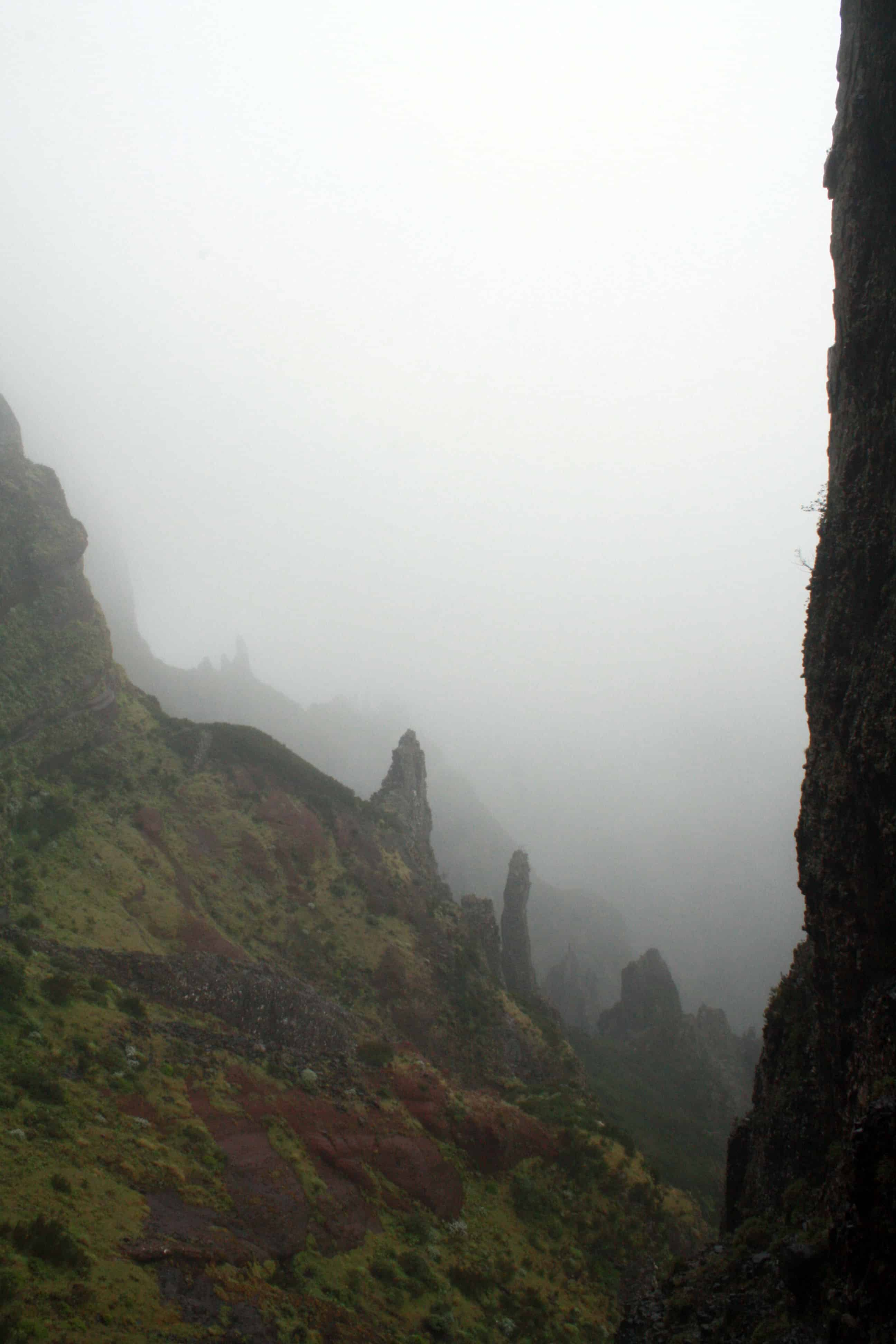 Walking Pico do Arieiro to Pico Ruivo