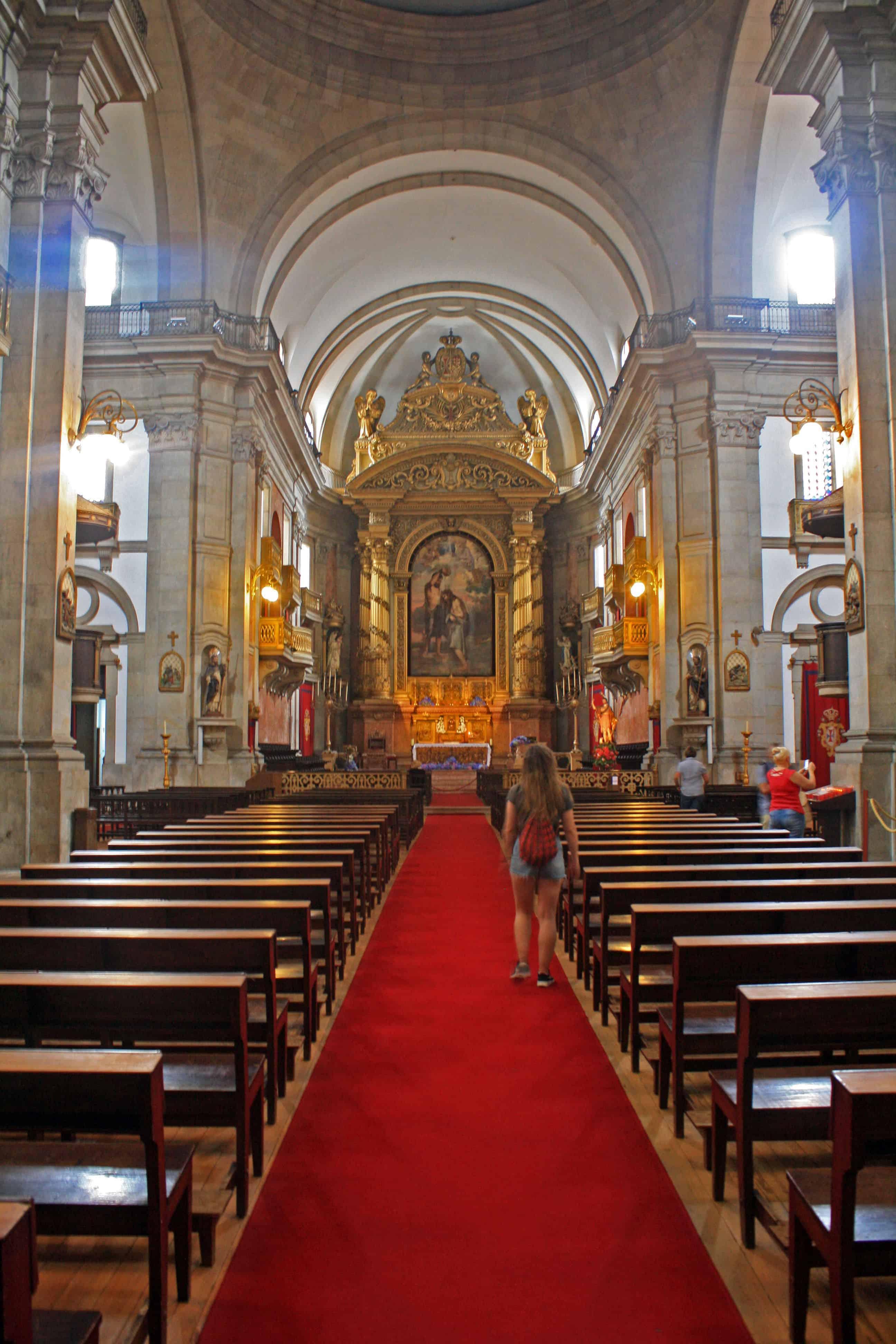 Inside Igreja da Trindade, Porto