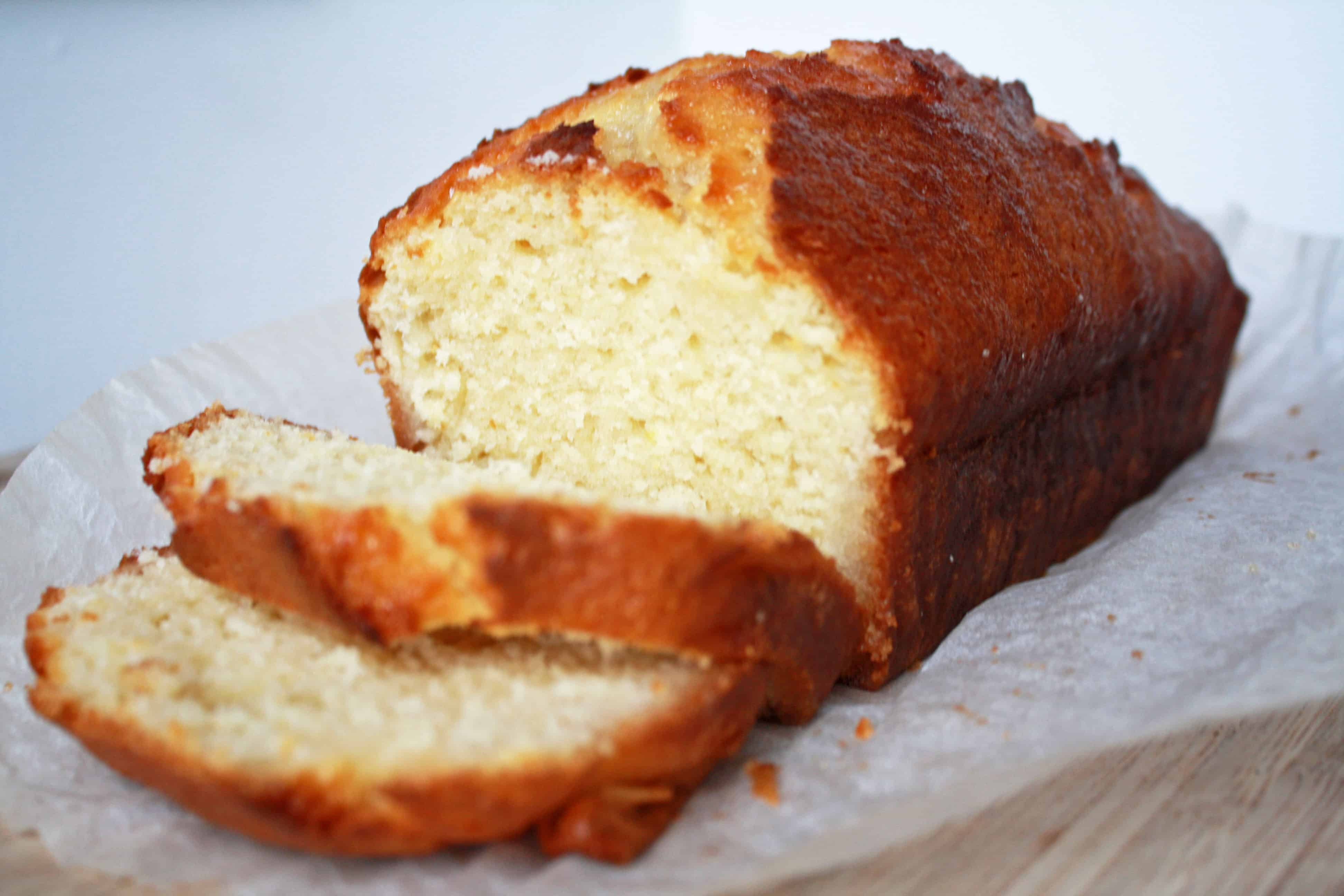 Simple lemon drizzle cake