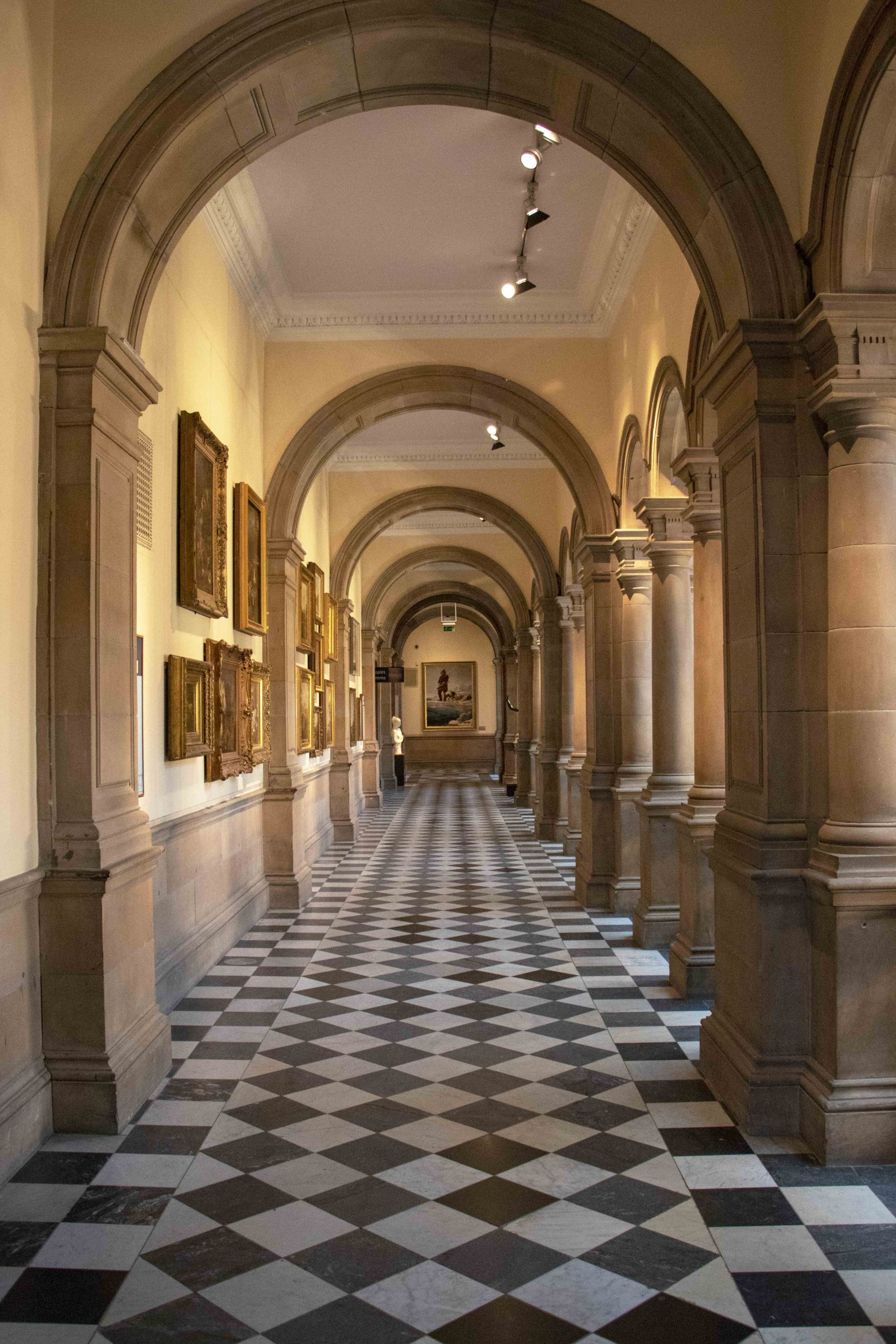 Kelvingrove Museum, Glasgow corridor