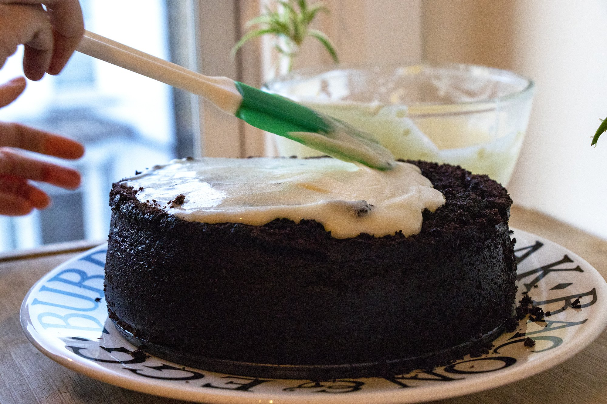 Spreading chocolate Guinness cake topping