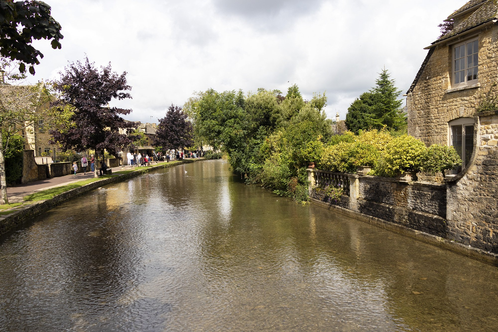 Bourton-on-the-water river Windrush
