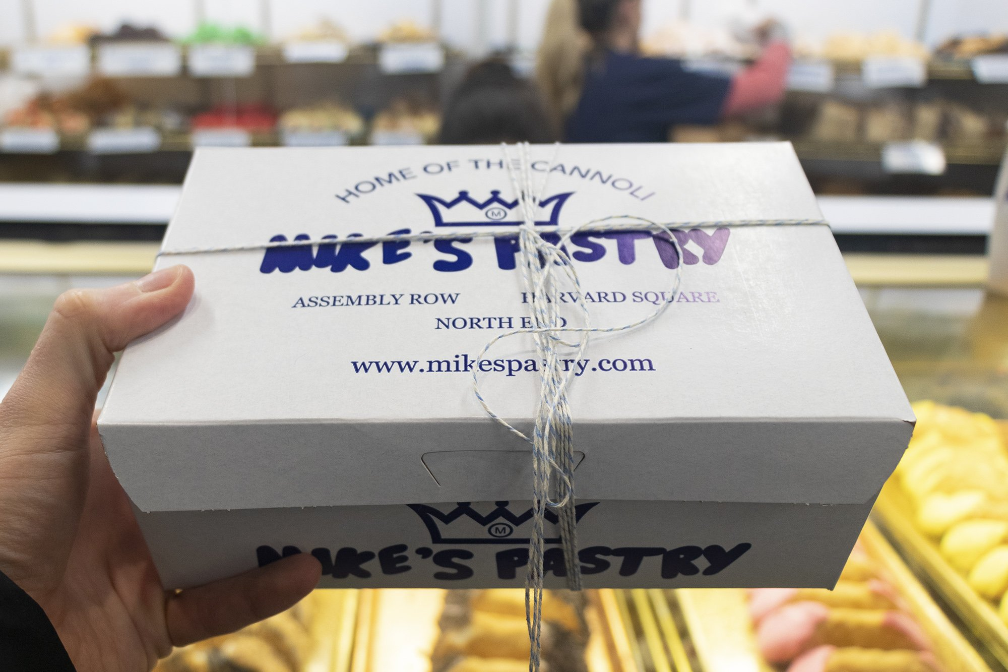 Mike's Pastry, Boston box